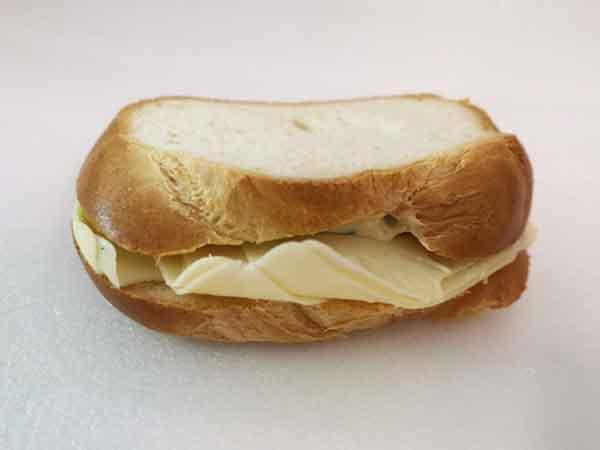 Zopf-Sandwich mit Käse